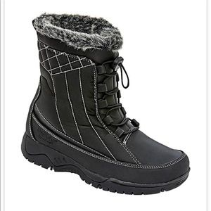 totes Eve Winter Boot with faux fur lining